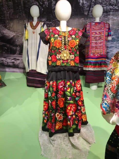 Costume mexicain-mexico-musée textile