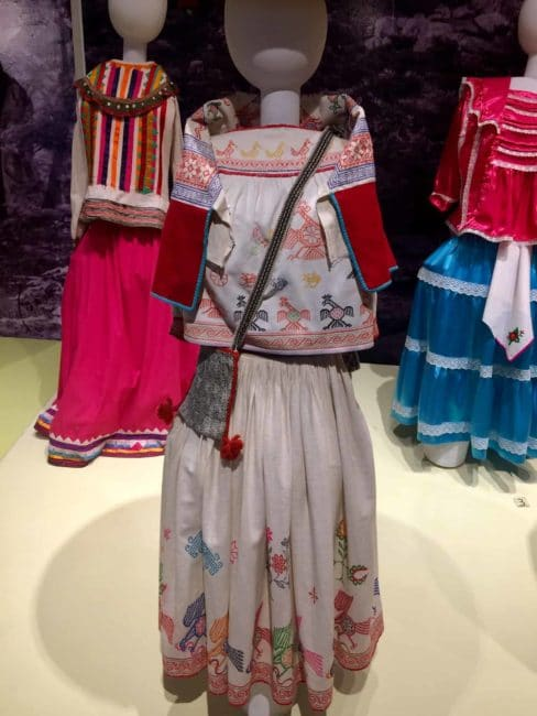 Costume mexicain-mexico-mexique