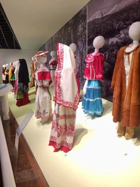 Costume traditionnel-mexique-mexico