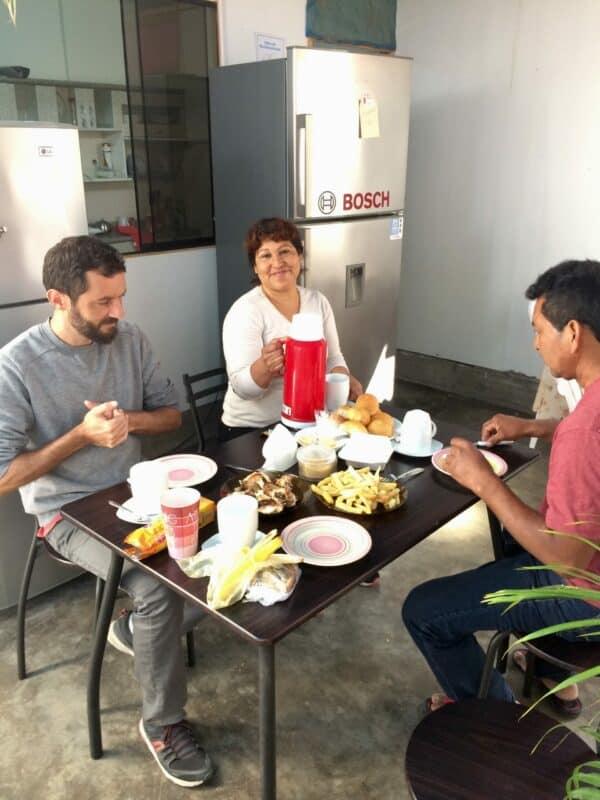 Les hôtes à Paracas-Pérou-Petit dejeuner