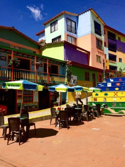 Place - guatapé-café-colombie