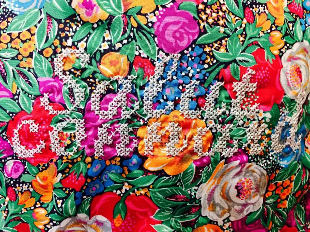 Broderie-point de croix- fleur-mot doux- aiguillés-fil à broder