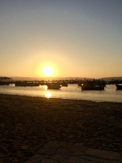 Coucher de soleil-paracas—perou-oceeau-magique