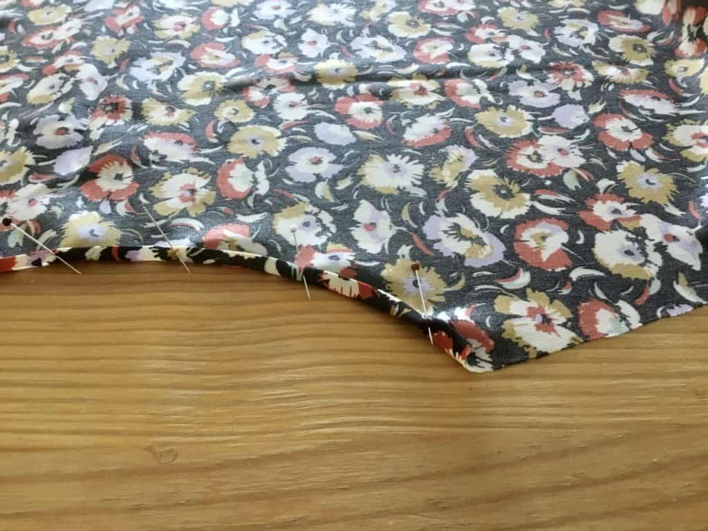 Les jolis détails de Margaux - en couture simone - patron robe gratuit - tuto couture - tuto robe - apprendre ) coudre -